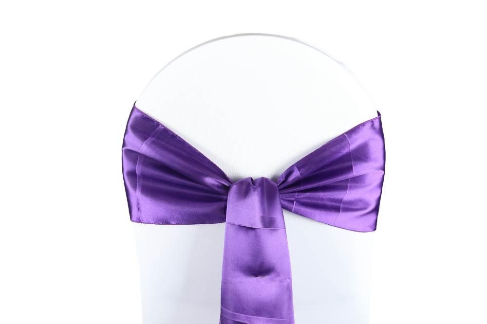 noeud satin violet pour housses chaises