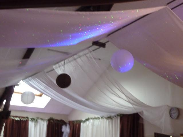 tentures mariages plafond kit tentures mariages tentures 100m tissus mariages. Black Bedroom Furniture Sets. Home Design Ideas